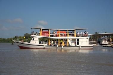 Embarcação Temática Mandu Ladino com capacidade para 65 pessoas + tripulação